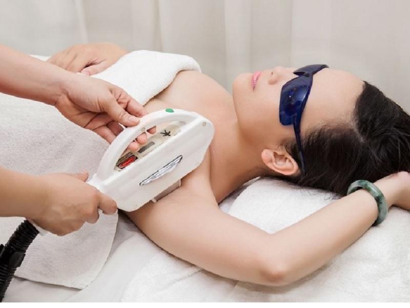 4 phương pháp trị lông nách tiên tiến đang được chị em tin tưởng nhất